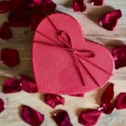 regalo-corazon-petalos